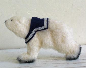 Polar Bear Brooch/Polar Bear Jewelry/Animal Brooch