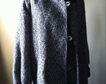 SALE herringbone tweed cocoon coat with sweater cuffs. black, gray, speckled. women's large