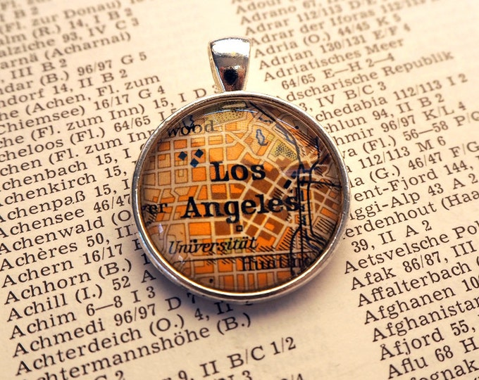 NECKLACE or KEYCHAIN, USA, Los Angeles, Map-Pendant, Cabochon, Glass, Atlas, Vintage, Jewlery