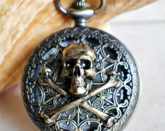 Skull and Crossbones pocket watch, men's mechanical pocket watch, front case is mounted with skull and crossbones