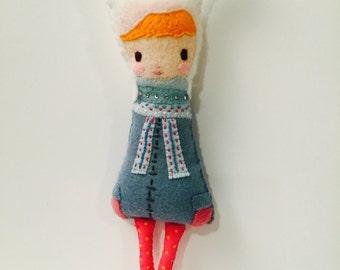 PDF PATTERN: Bunny Girl. Instant Download. Softie Pattern. Plushie Pattern. Felt Doll Pattern.