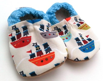pirate baby shoes, pirate booties, sailor baby, nautical shoes for baby, blue and white, baby pirate ships baby shower gift, soft sole shoes