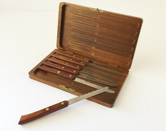 Vintage Simmons Steak Knives in Teakwood Case, Set of Six Stainless Steel Steak Knives in Wooden Case, Midcentury Modern Flatware