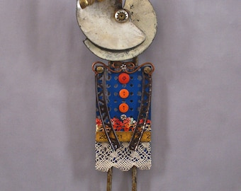 ASSEMBLAGE ART DOLL - Mix media assemblage, Mix media art doll, Found object art doll - One Eyed Susan