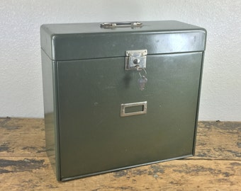 Exapandable Green Metal File Box / Locking / Storage Container withTwo Compartments / Original Keys