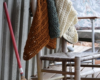 Blanket Scarves / Knit Shawl / Triangle Cowl / Knit Wrap / 3 Way Wrap / Folk Fashion / Knit scarves / Knit Cowl / Autumn Chestnut Brown