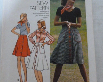 """6778 Simplicity Size 18 Waist 32"""" Miss Front button Skirt in Three Lengths Vintage 1974 Uncut"""