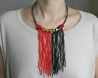 Long fringe necklace in red and black Ethnic fringe necklace with bead mix Long statement necklace Ethnic jewelry Hippie Fabric cord jewelry