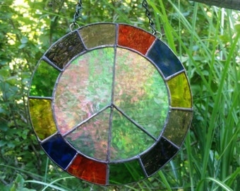 Stained Glass Peace Sign E101