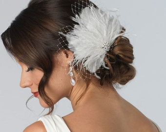 Bridal Feather Fascinator, Bridal Feather Clip Comb, Feather Headpiece for Wedding, Vintage Hair Feather Accessory ~TC-2231