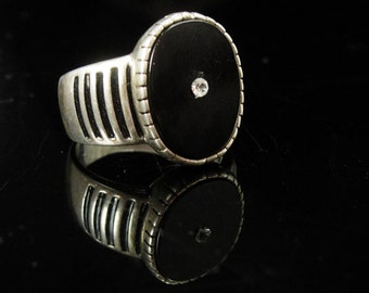 Vintage Onyx silver Ring Gothic Victorian style Black enamel size 10 1/2 mens womens