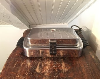 1940s Vintage 1950s Dominion Waffle Maker Iron And Sandwich Grill No. 1216 - Chrome Retro Mid-Century Styling  - Tested And Working