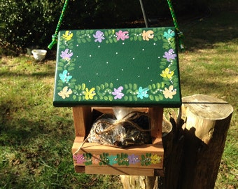 Bird feeder, decorative hanging functional bird feeder