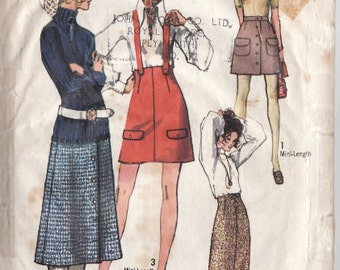 Vintage 1970′s Sewing Pattern - Simplicity 8925 - Vintage Mini Skirt Pattern - Dungaree Dress Pattern - Pinafore - Size 12 – 25 1/2″ Waist