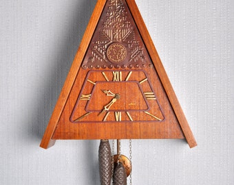 Cuckoo Clock ,Working Clock, Soviet clock ,Russian clock ,Mechanical clock , Majak Made in 1980s , Soviet Union , USSR Clock