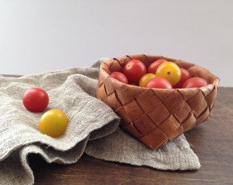 Vintage Swedish handmade woven wicker basket Braided birch bark basket Rustic home kitchen decor Small Easter basket