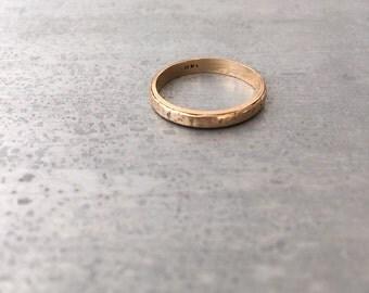 Vintage 14 kt gold wedding band/ stacking ring