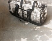 SALE Black Weekender, Screen Printed Canvas and Vegan Leather Carry On Travel Bag. Large Overnight Duffle, Übernachtung Seesack
