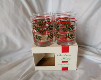 Vintage Christmas Holly Glassware Set of 4