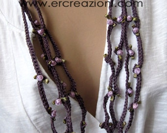 Crochet necklace with satin roses