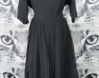 50s Black Scalloped Neckline Formal Dress / XL