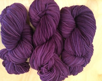 Hand Dyed 100% Merino Worsted Yarn 100g Elderberry
