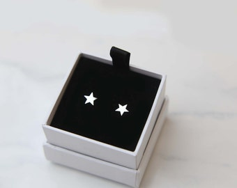 Star Stud Earrings in Sterling silver / Lightweight Everyday Earrings / Silver Studs / Simple stud earrings / Cute star studs gifts for her
