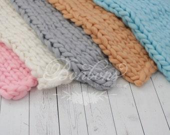Newborn Basket stuffer Chunky Knit Baby Blanket Wool, Chunky Wrap, Chunky Knit Baby Portrait, Cream Basket Stuffer, Newborn Photo Prop RTS