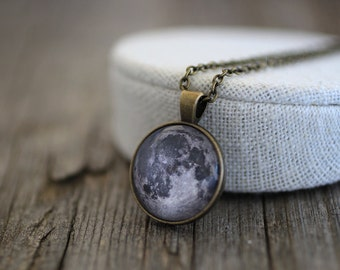 Moon Necklace, Moon Pendant, Moon, Full Moon, Full Moon Necklace, Moon Jewelry, Luna, Luna Necklace, Space, Solar System Necklace, Universe