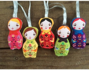 Plush Christmas Matryoshka Ornaments, Russian doll, Nesting Doll, Set of Five