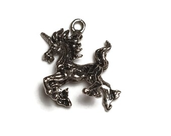 3D Unicorn Charm, Majestic Pendant, Rainbow, Mystical, Imagination