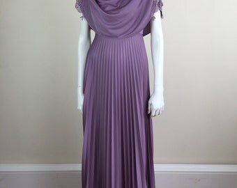 lilac purple polyester maxi dress w/ accordion pleated skirt 70s