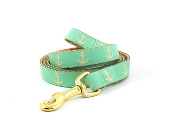 """Matching Nautical Leash // 5/8"""" or 3/4"""" Leash // Pattern: Mint Green & Gold Anchors"""