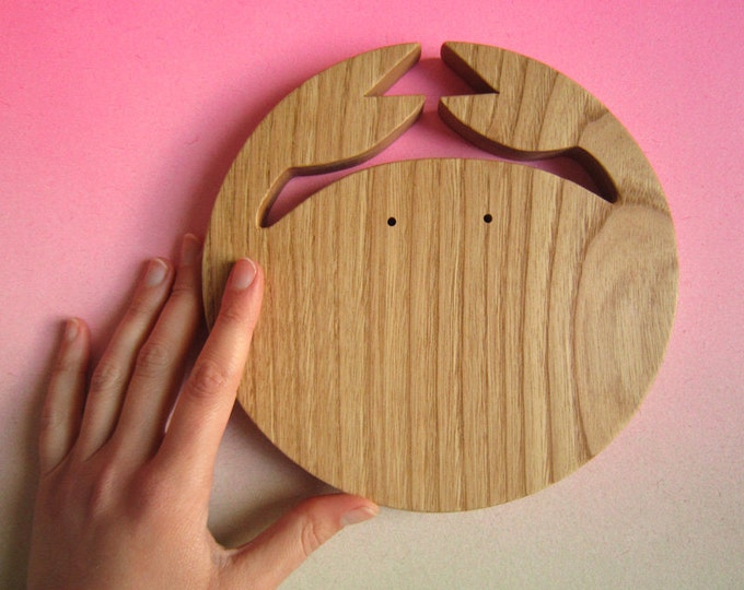 Table piece in natural wood, sea crab table mat