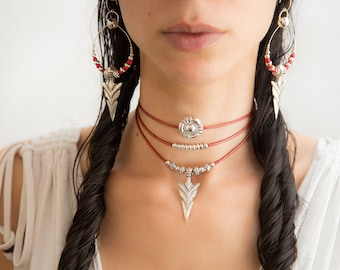 Kiki Red leather Tribal Silver Arrow Choker. Arrow head pendant. Red leather necklace. Native american Navajo Choker. Molax chopa Tribe