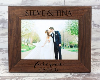 Personalized Picture Frame, Custom Wedding Picture Frame, Walnut Picture Frame, Personalized Photo Frame,  Gift For Couple, Wedding Gift
