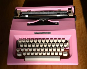 Pink Typewriter - Olivetti Lettera 25 - Vintage Typewriters - Fully Servived - Working Perfectly