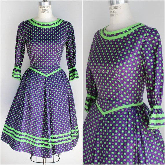Vintage 1960s Floral Print Square Dancing Dress With Crinoline Included / 60s Square Dance / Purple And Green Fit and Flare / Full Skirt