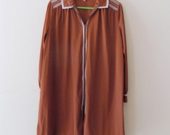 70s Nightgown, Brown Robe, Zip Up, Vintage Lingerie, Miss Elaine, Nylon, Smocked, Lace Trim, Short Robe, Nightgown, Size 42,  XL, 1970s