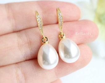 Teardrop Pearl earrings, Bridesmaid jewelry, Bridesmaid earrings, Everyday earrings, Wedding earrings