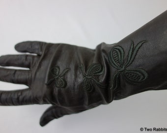 Antique Edwardian 1910s thin brown leather gloves with triple embroidered bow detail size 6.75 Victorian 1900s lawn garden party hostess