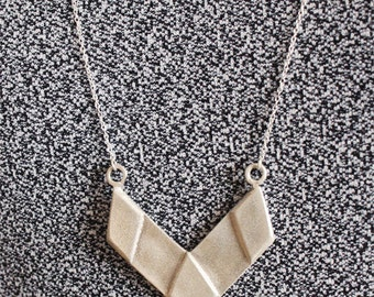 Silver necklace V shape, Modern jewelry,  Silver jewelry, Geometric necklace