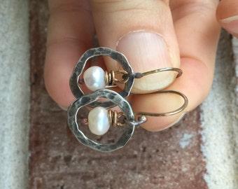 Rustic Circle Pearl earrings