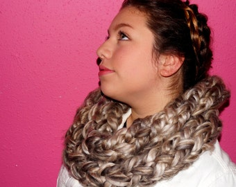 Super Bulky Tribute to Chewbacca Infinity Scarf