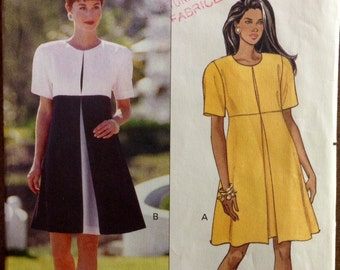 Butterick 5485 - Chette B  A-Line Dress with Contrast Inverted Pleat - Size 6
