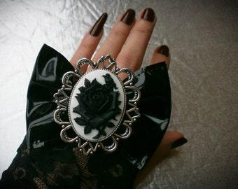 Gothic lolita bow, romantic goth bow, pvc hair bow, black hair bow, lolita hair bow, romantic goth, rose cameo bow