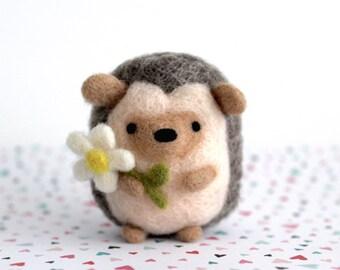 Needle Felt Hedgehog with Daisy, Hedgehog Gifts, Needle Felted Animal, Felt Hedgehog, Felt Animal, Hedgie, Hedgehog Miniature Figurine