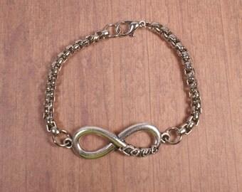 Bracelet infinite love. Silvery chain bracelet with zamak. Forniture infinite love zamak