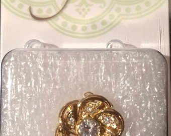 1 Strand Flower Clasp With Crystal, 15mm, Gold Plated, CLSP51GP, 1 Piece, Made In Germany