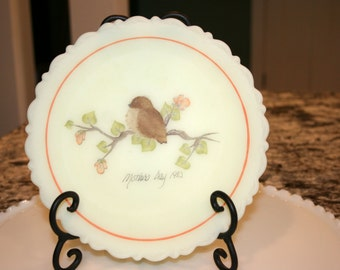 1980 Fenton Mother's Day Plate//Signed Plate//New Born//Collectible Plate//Vintage Fenton Plate